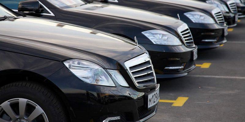 Пять причин взять в аренду авто с водителем